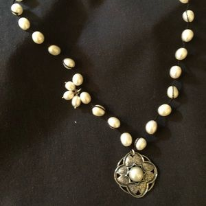 Silpada Rhiannon Necklace. 17' pearl